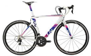 Giant Liv Envie Advanced 2 Womens Road Bike - Small (ex Display)  2018 - THIS AERO ROAD MACHINE WAS DESIGNED TO HARNESS THE POWER OF WOMEN AND SLICES THROUGH WIND.